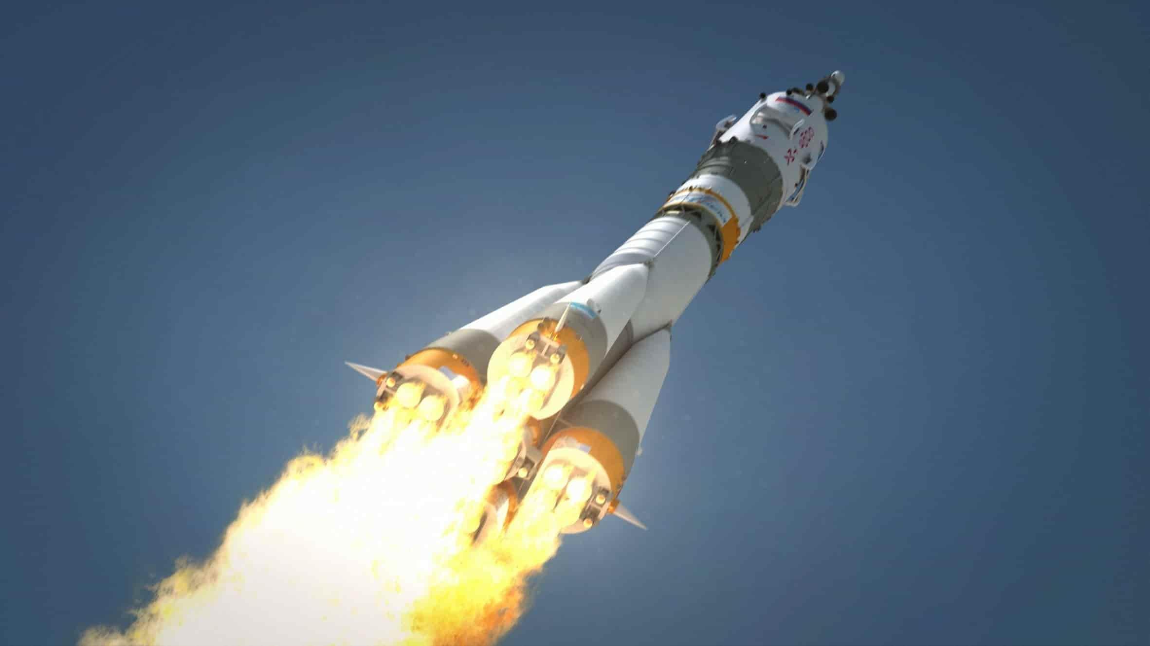 UBER празднует День Космонавтики